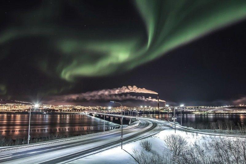 Город, Северное сияние, легенда Параллельные мирыphoto preview