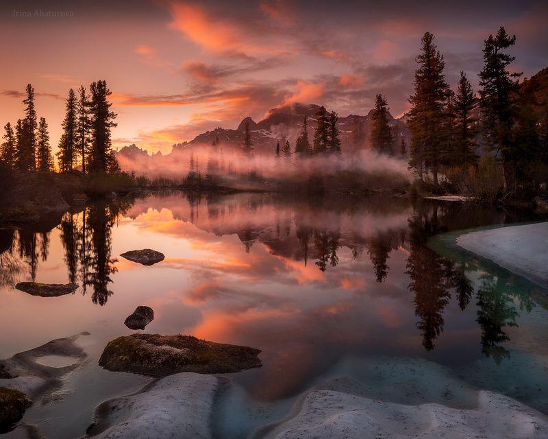 ергаки, природный парк, закат, озеро, отражение, туман Закат на озере Лазурноеphoto preview