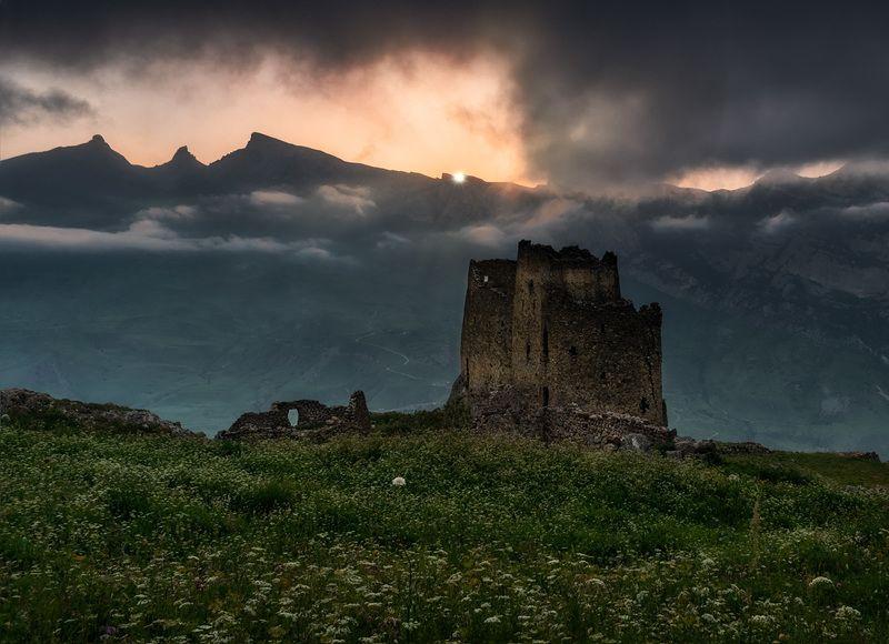 горы, природа, осетия, природа, лето, кавказ, замок, фрегат, пейзаж, закат, Замок Фрегатphoto preview