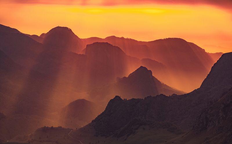 бермамыт, гумбаши, закат, скала, обрыв, плато, вечер, свет, карачаево-черкесия ОГНЕННЫЙ ЗАКАТphoto preview