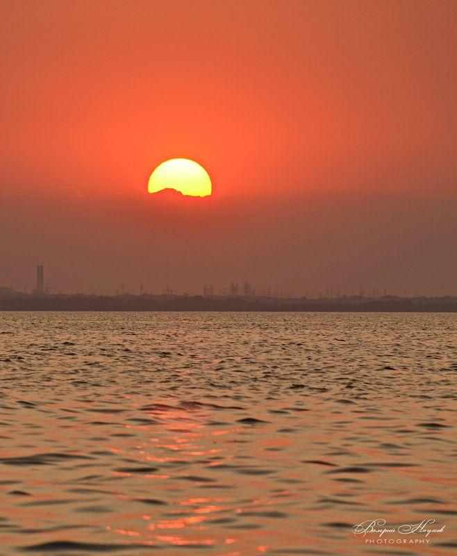 лето, июль, днепр, каховское море, закат, солнце, вечер Закат над Каховкойphoto preview