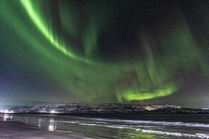 Ночь, Северное сияние, волна, Баренцево море Цунами небеснаяphoto preview