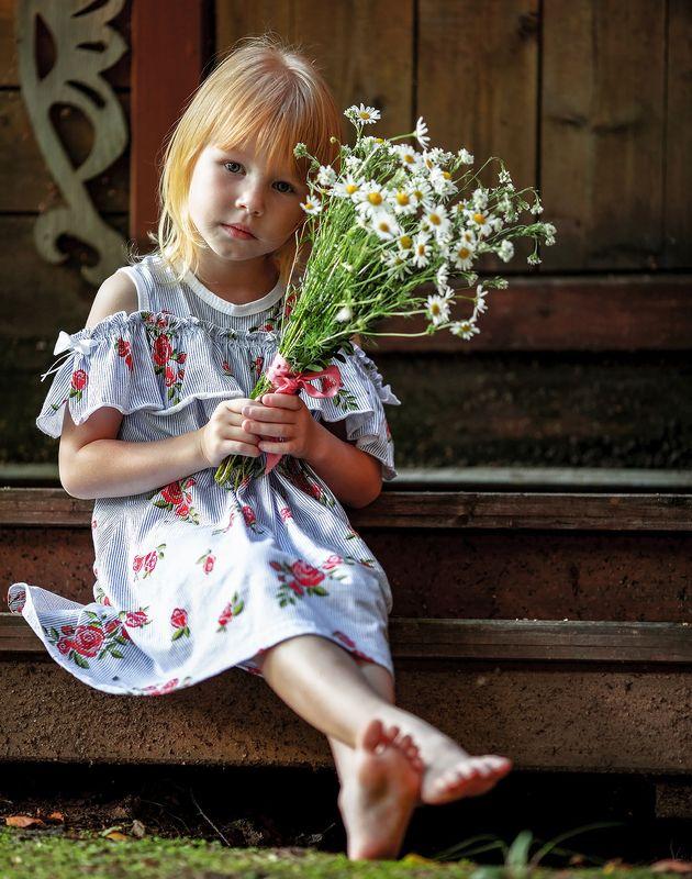 девочка,лето,ромашки, красота, kids, childhood, flower, summer, nature Девочка с ромашкамиphoto preview