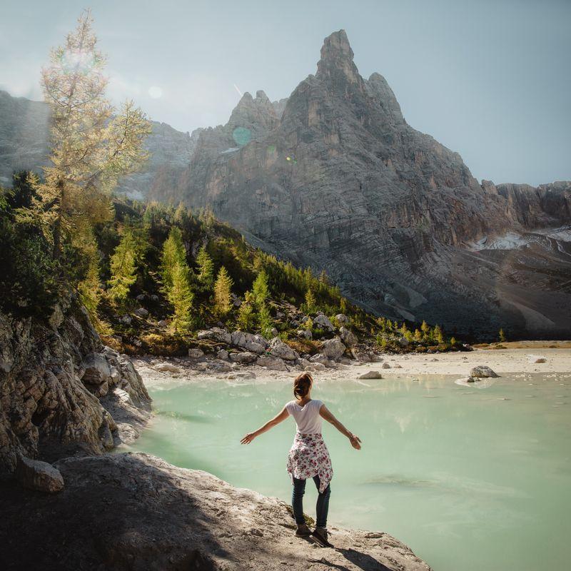 озеро; горы; лес; альпы; италия Пленительное окружениеphoto preview