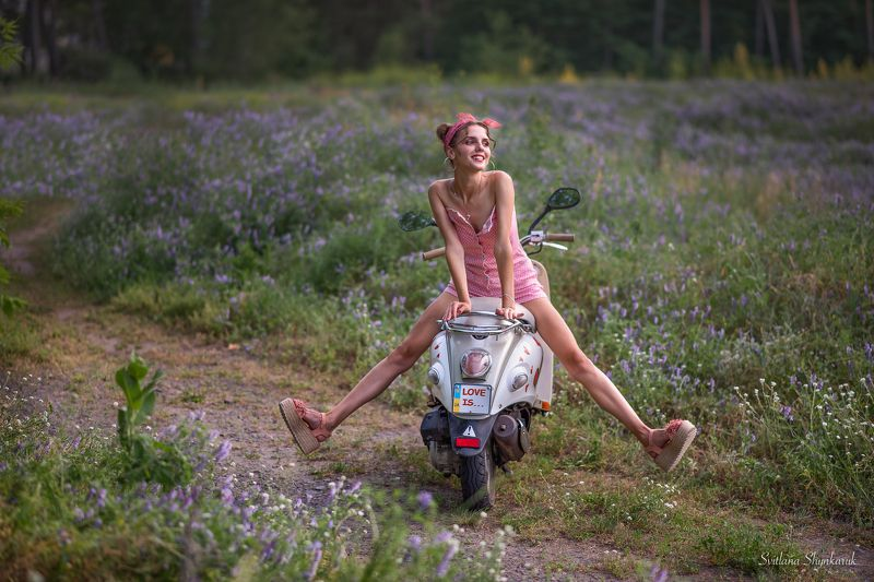 pinup, moto cycle, girl, legs, beautiful girl Playingphoto preview