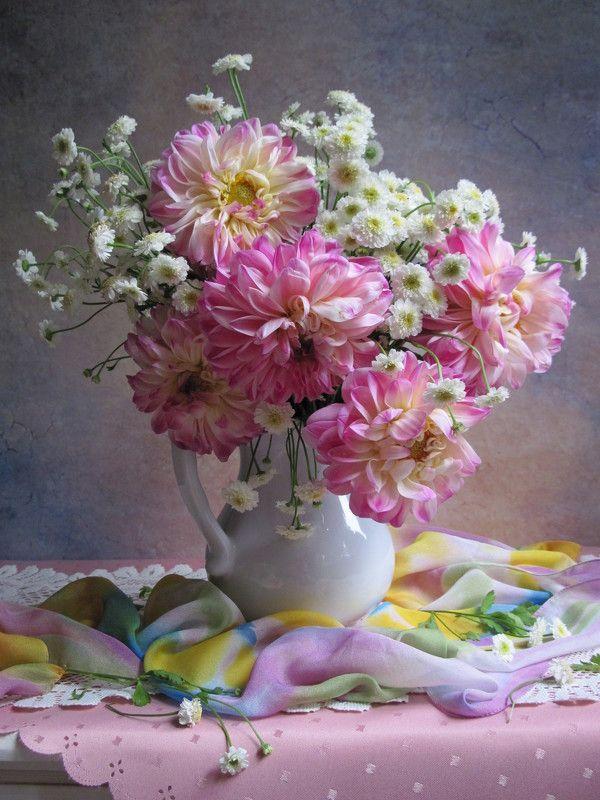 цветы, букет, георгины, хризантемы, фарфор, шарф, салфетка Очарование георгиновphoto preview