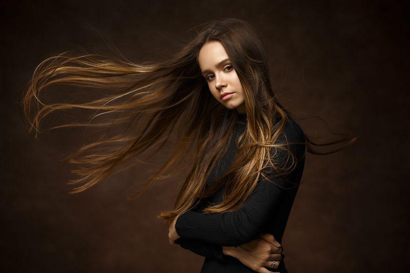 женский портрет, красота, студийный портрет, девушка, волосы, ветер Lizaphoto preview