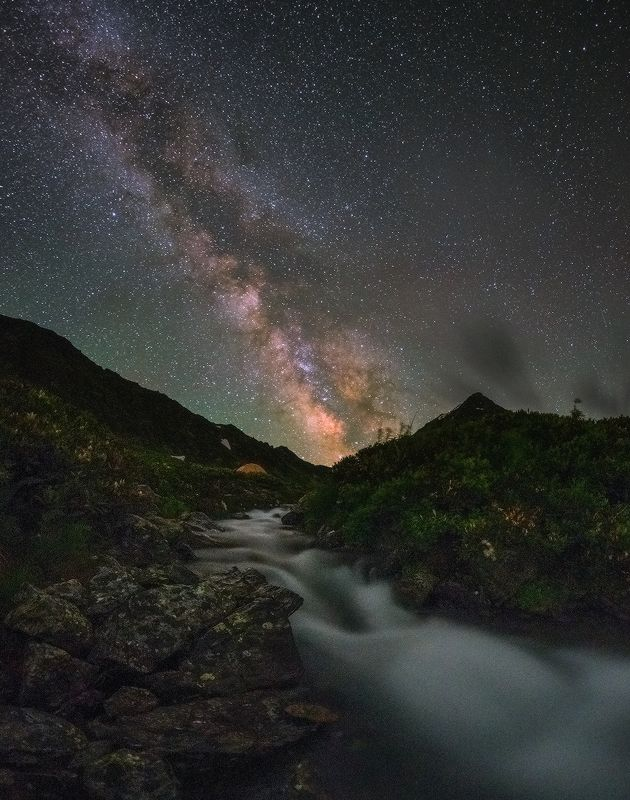 западный кавказ, хребет аркасара, млечный путь, горный ручей,июль Млечный путьphoto preview