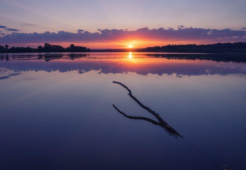 Тишина закатного пруда фото превью