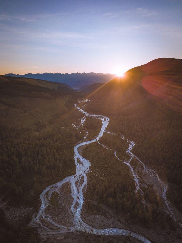 алтай, маашей, горныйалтай, горы, рассвет, река Рассвет в горахphoto preview