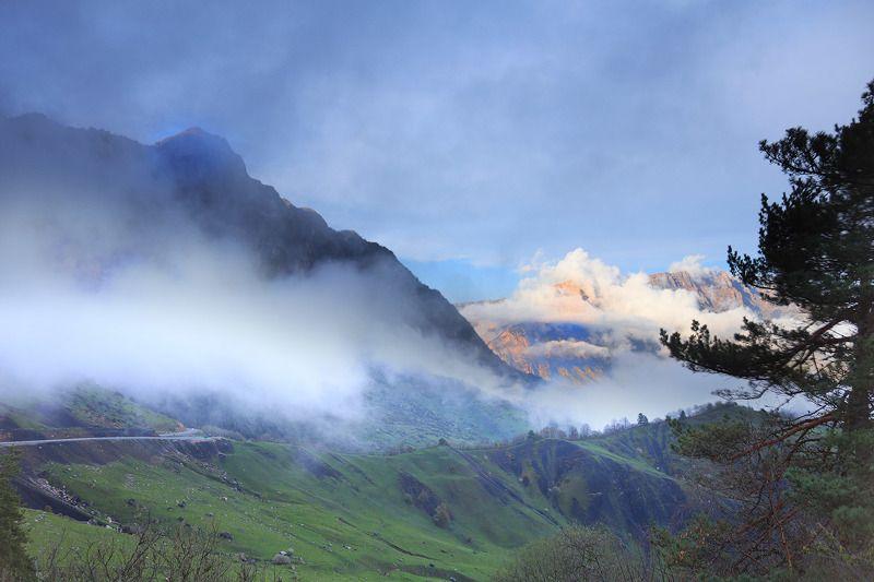 Ингушетия, Кавказ, перевал Цей Лоам Закат на Скалистом хребтеphoto preview