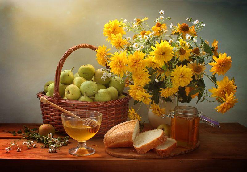 лето, солнце, цветы, мед, корзина, груши, натюрморт Августphoto preview