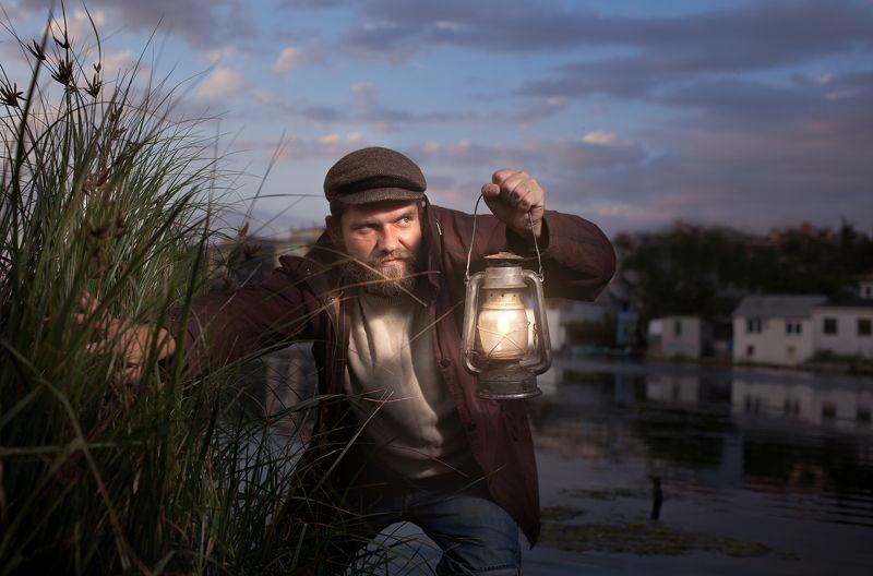 мужчина, злой, керосиновая лампа, мужской портрет Побег...photo preview