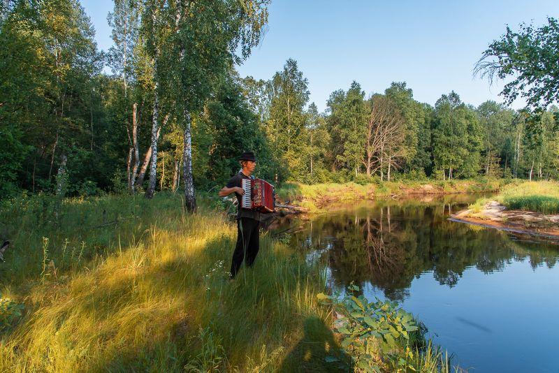 лесная река, музыканты, живая музыка, аккордеон, клавиши, мещёра, рязанская область, друзья По Мещёре с музыкой!photo preview