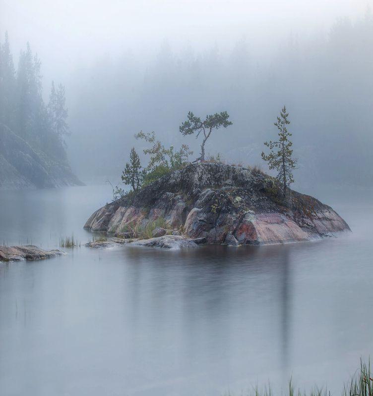 ладога, белые ночи, шхеры, рассвет ,карелия, ладожское озеро, туман, остров, скалы Ладожский туманphoto preview