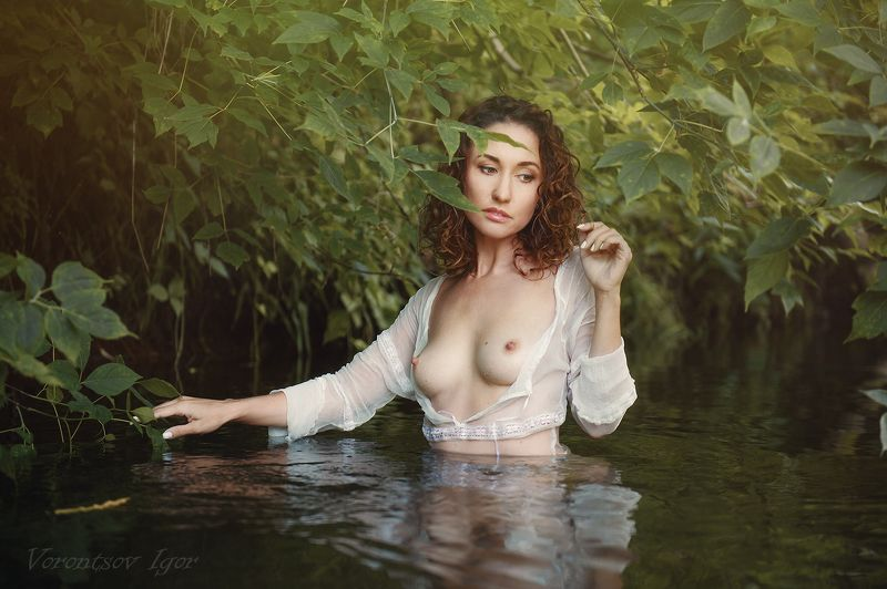 ню, девушка, грудь, обнажённая, красивая, река, природа, голая photo preview