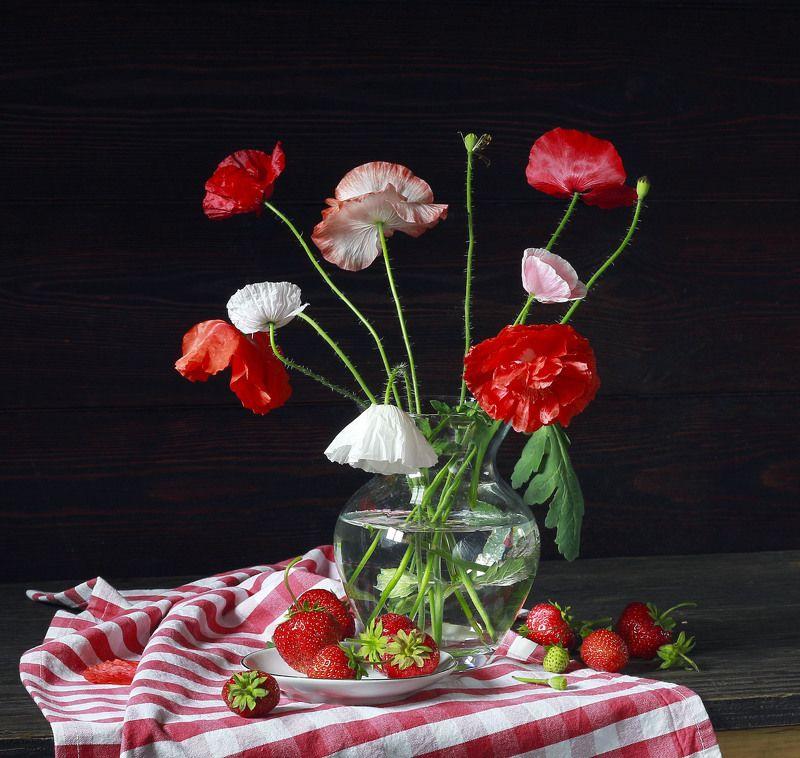 натюрморт, фотонатюрморт, лето, цветы, маки, клубника, подсолнухи, наталья казанцева Про летоphoto preview