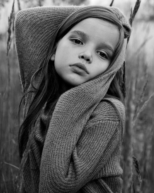 поле река девочка дети ребенок  photo preview