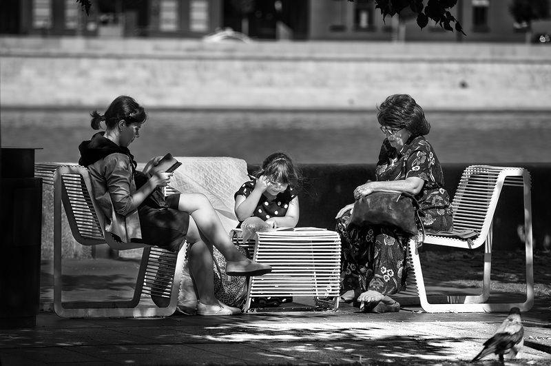 чб фото, лето, город. уличное фото, жанровое фото Летние картинкиphoto preview