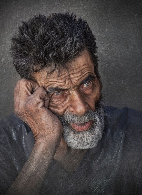 #portrait, #people, #eye, #hand Forgottenphoto preview