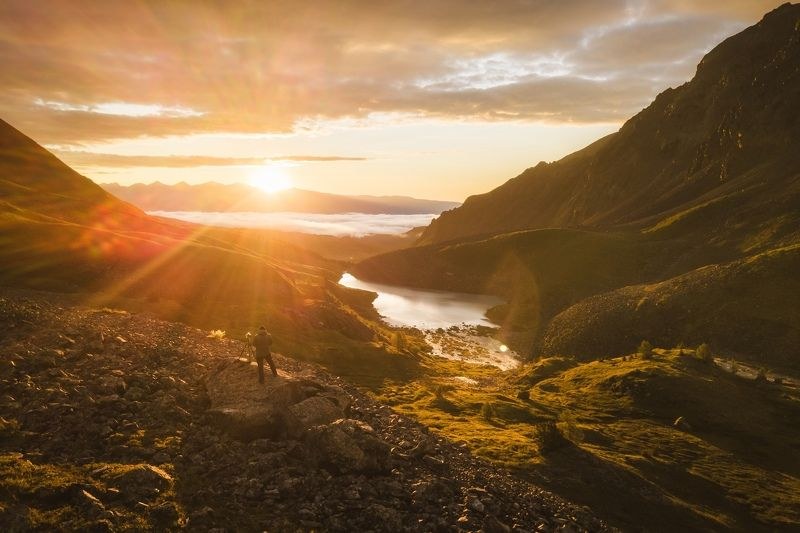 алтай, горныйалтай , каракабак, пейзаж, горы Фотограф на рассветеphoto preview
