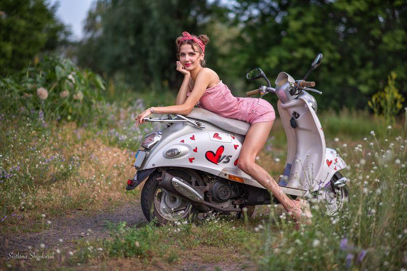 pinup, moto cycle, girl, legs, beautiful girl, flirting Pinup girl flirtingphoto preview