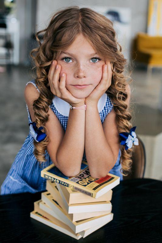 девочка, ребенок, портрет, детский портрет, портрет девочки,  детское портфолио Скоро в школуphoto preview