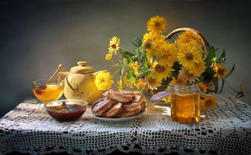 натюрморт, лето, цветы, мед, оладьи Медовый Спасphoto preview
