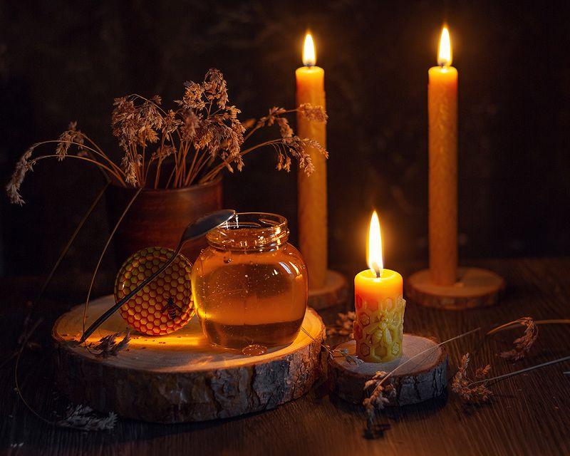 натюрморт свеча мёд фотонатюрморт Медовый спасphoto preview