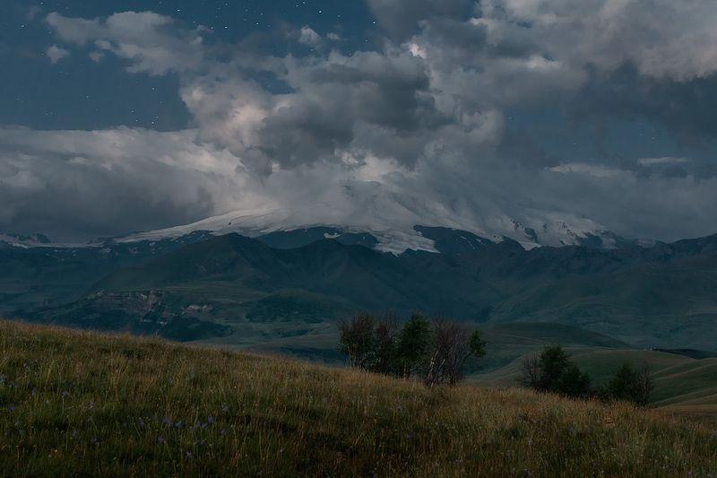 горы, эльбрус, ночь, кбр, природа, звёзды, кавказ, пейзаж, За час до рассветаphoto preview