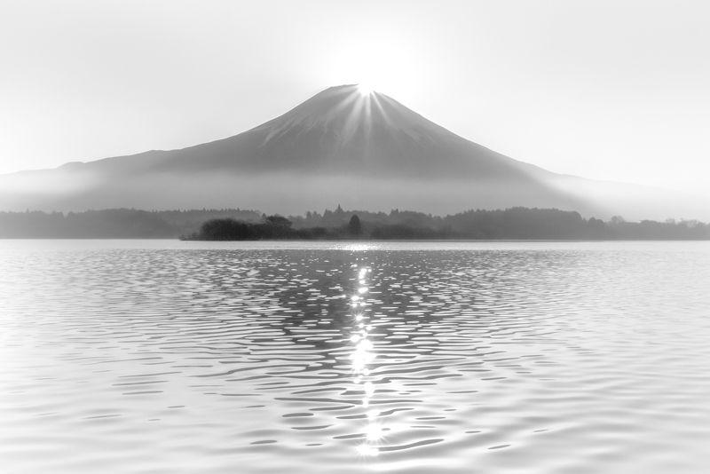 Fuji,Japan,mountain,lake,sun,light,reflection Diamondsphoto preview