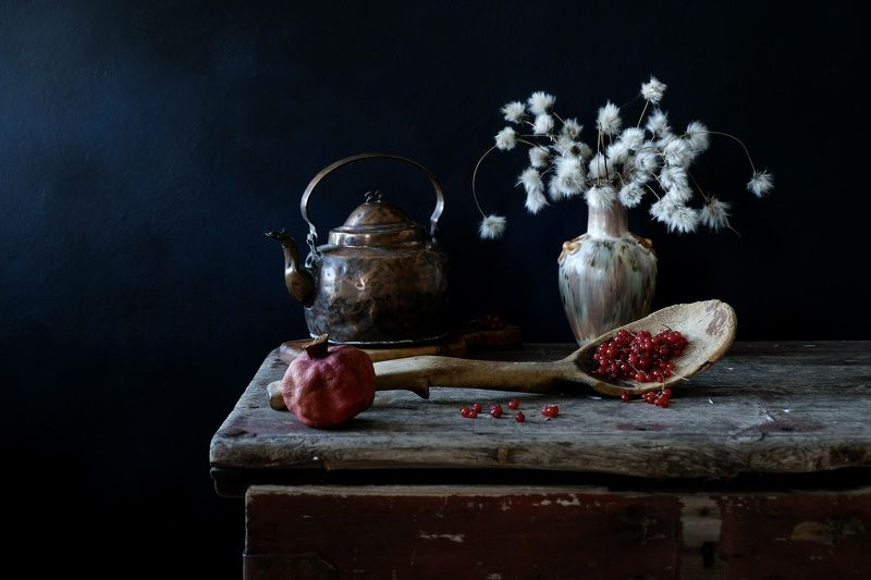 Still life, spoon, old, сhest, currant, kettle, pomegranate, plants, сottongrass, light,  Старая ложка.photo preview