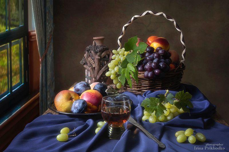 натюрморт, лето, вино, фрукты, винтажный, фотокартина Натюрморт с бокалом вина и фруктамиphoto preview
