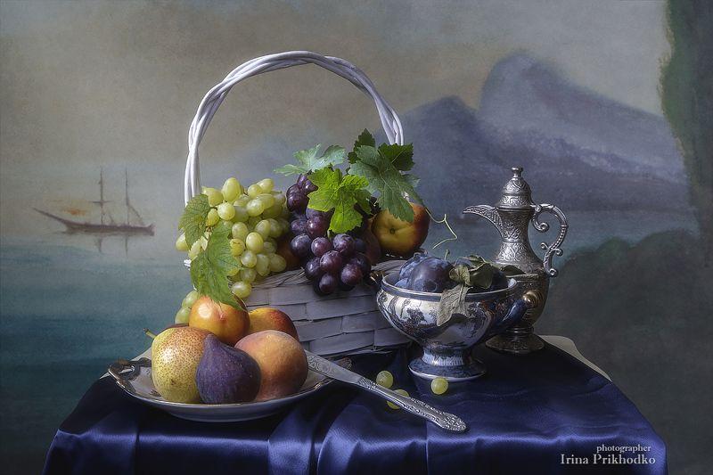 натюрморт, художественное фото, лето, фрукты, морской пейзаж Средиземноморский натюрморт с фруктамиphoto preview