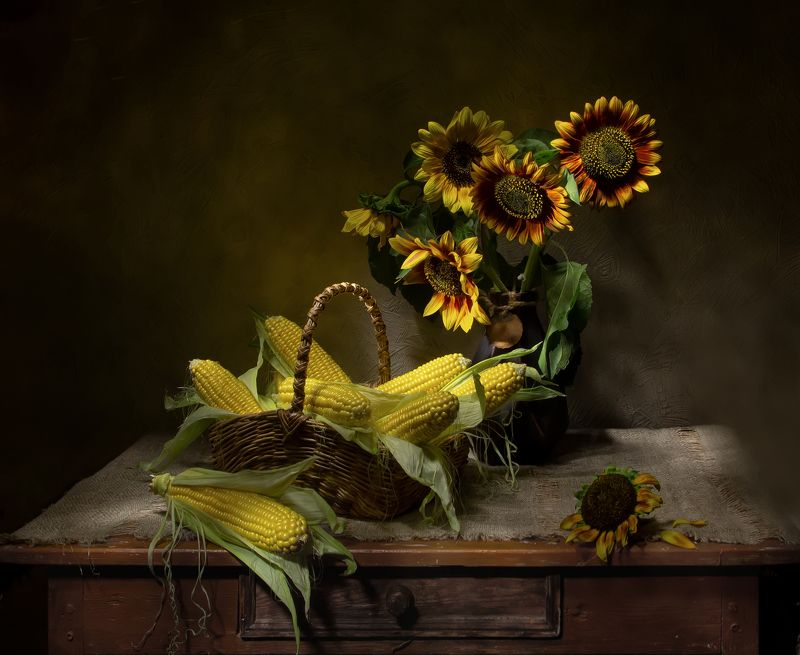 натюрморт, кукуруза, подсолнухи Просто уходило лето.... фото превью