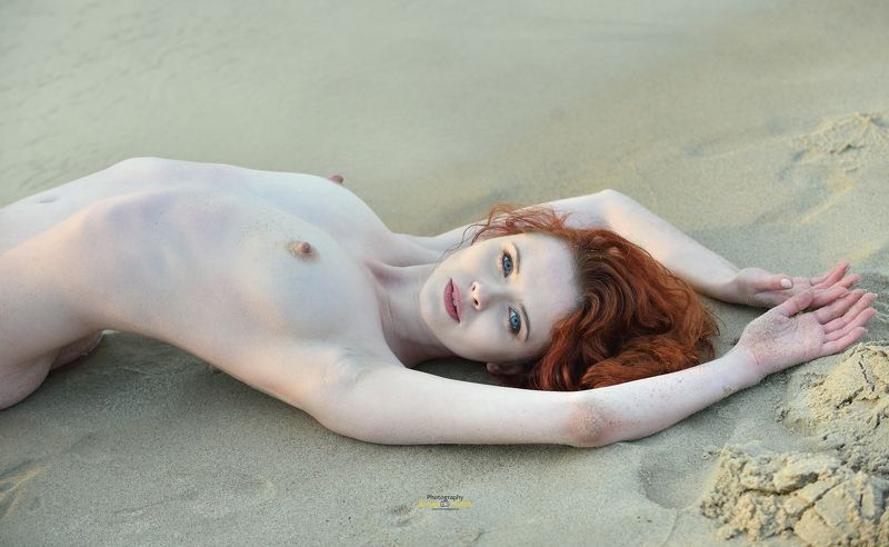 beach, act, model Annaphoto preview