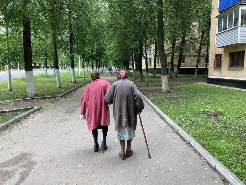 Street/Reportage, people, old age, grandmother, colors, Russia, street, life, nature, city,  А молодость где-то... впередиphoto preview