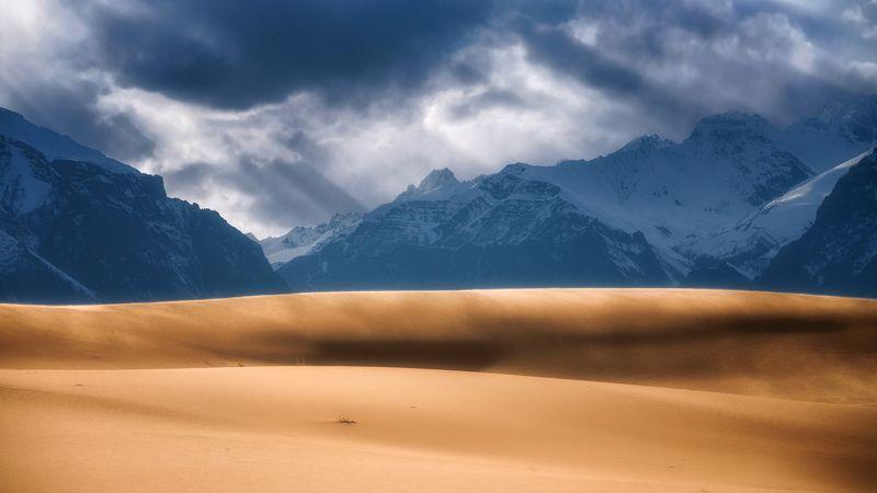 чарская пустыня,кодар,горы,забайкалье непогодаphoto preview
