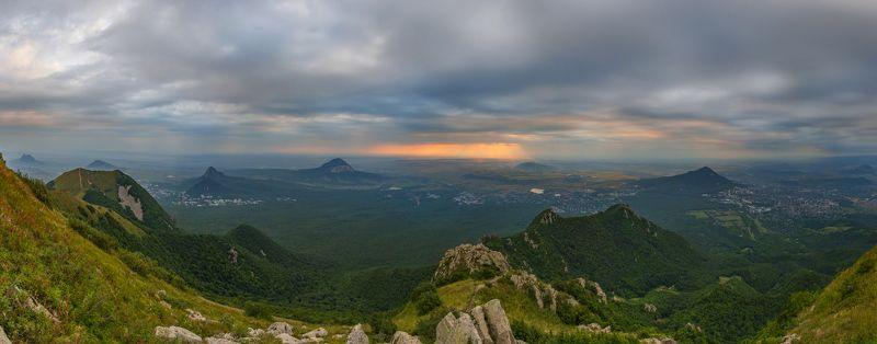 бештау,рассвет, облака,панорама,природа,пейзаж На пороге осениphoto preview