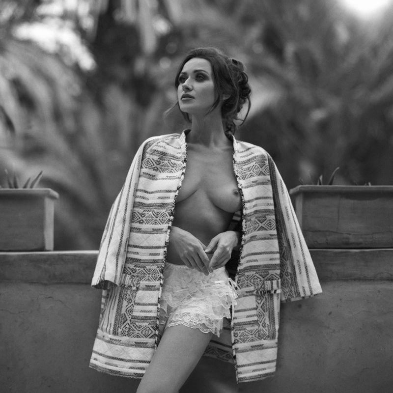 Olga Alberti, women, topless, nude, fineart, bw, 6x6, Olga Albertiphoto preview