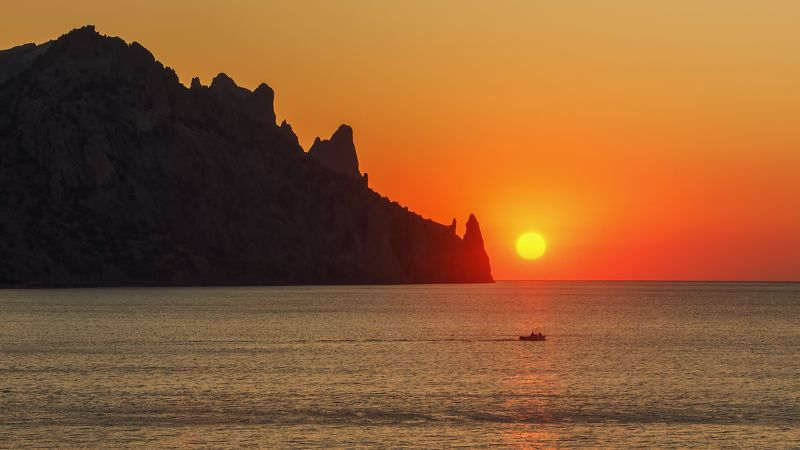 лето, море, карадаг. Встретить утро...photo preview