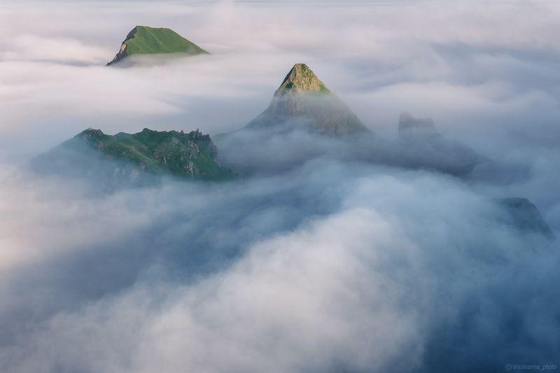 Острова в облакахphoto preview