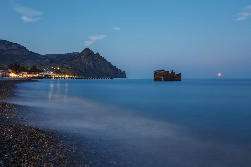 Лето, море, Карадаг. В Курортном вечер...полнолунный...photo preview