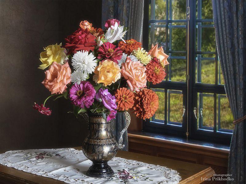 натюрморт, лето, цветы, букеты, художественная фотография Натюрморт с букетом садовых цветовphoto preview
