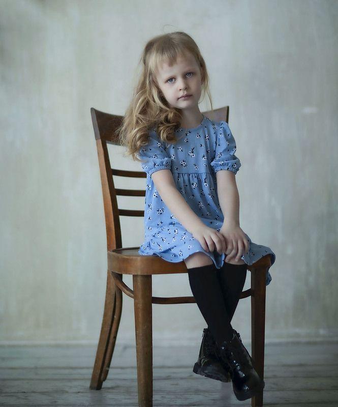 девочка,портрет,ретро,студия, kids, retro, style, studio, staged Глаза цвета незабудкиphoto preview