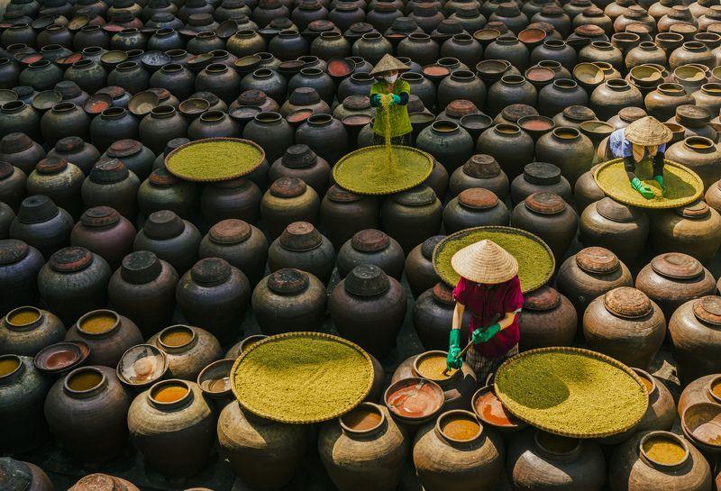 streetllife, vietnam Make Sauce in Vietnamphoto preview