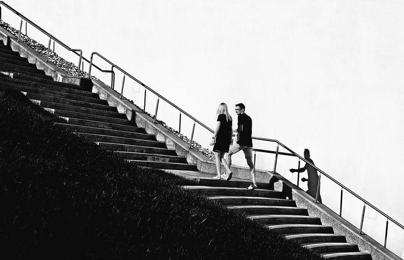 чб фото. лестница, стрит фото, люди Лестницаphoto preview