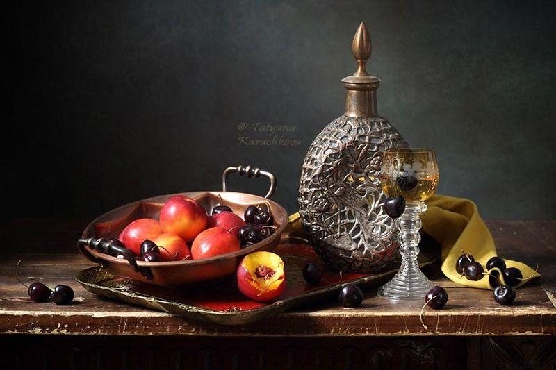натюрморт, лето, фрукты, персики, черешня Нектарины и черешняphoto preview