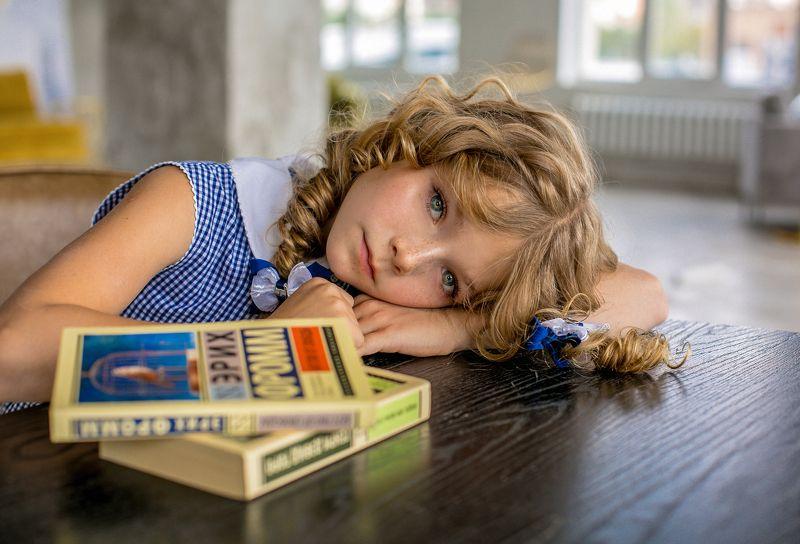 девочка, ребенок, портрет, детский портрет, портрет девочки, глаза, детское портфолио, школа, сентябрь Вот и 1 сентября..photo preview