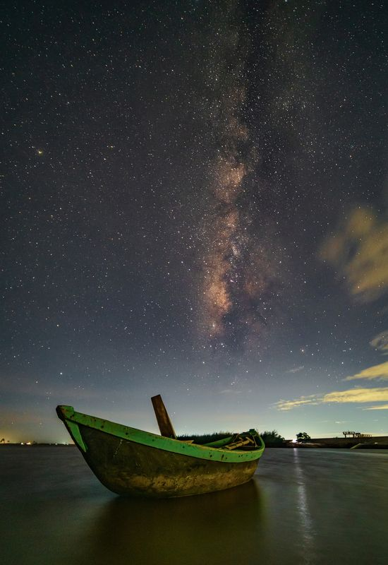Milky way in the midnight at Dong Chau, Vietnamphoto preview